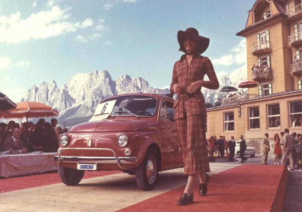 Fiat-500-Period-Photos-Cortina-Italy-1970-1600x1200.jpg