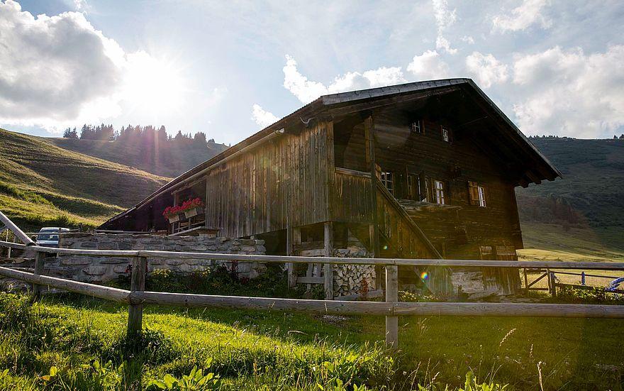 csm_Hotel_Gstaad_Palace_Walig_Hütte_aussen_a45b0a74fd.jpg