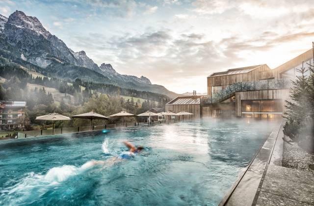 wasserwelt_schwimmen-im-pool.jpg