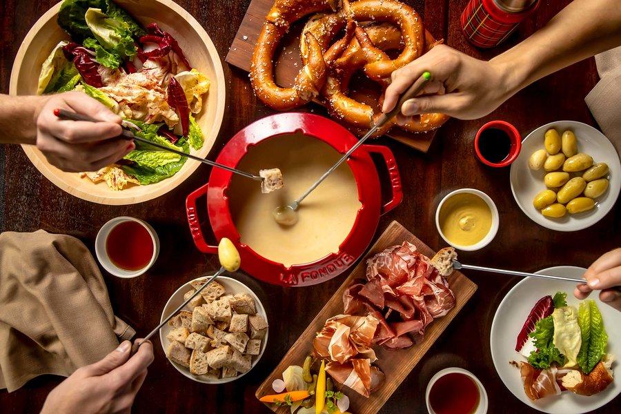 fondue-daniel-humm-eleven-madison-park-winter-house-aspen-EMPWHASPEN1118.jpg