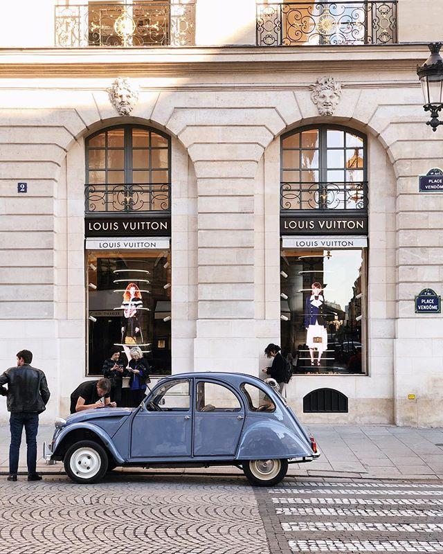 Une infraction de stationnement pour un Citroën.