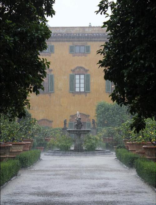 rainvilla.png