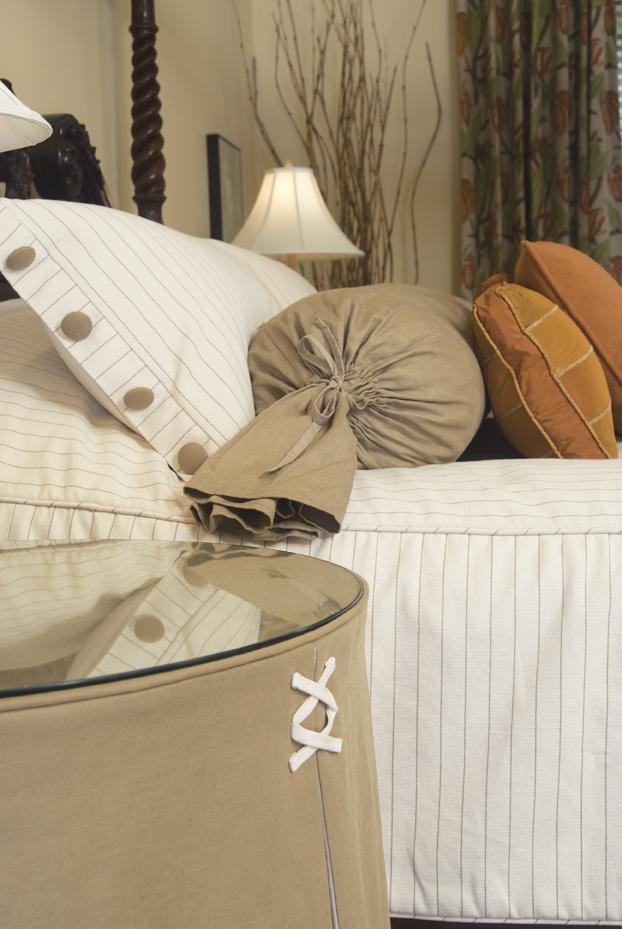 MASTER_bedroom-detail.jpg