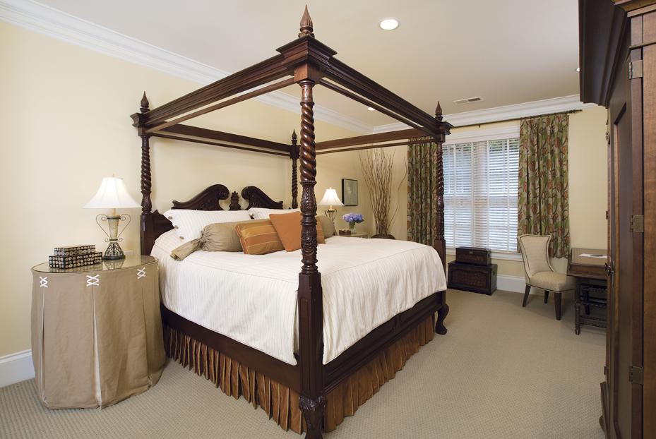 MASTER_restful-bedroom.jpg