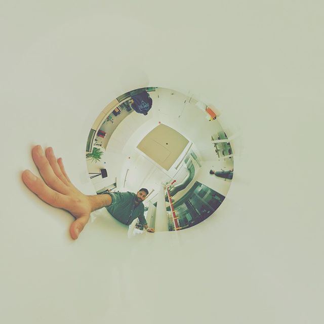A whole in the white space. . . . #360 #thetaV #theta360 #tinyplanet  #invertedtinyplanet #design #hand #360videosecrets