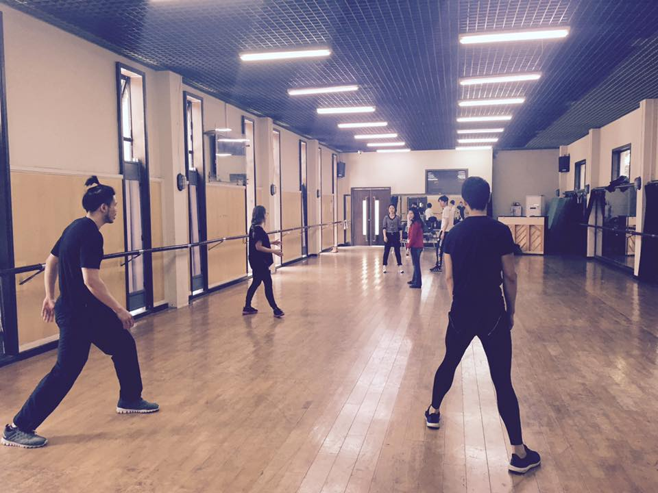 Eliza leading a movement workshop at Shanghai Theater Academy, 2016
