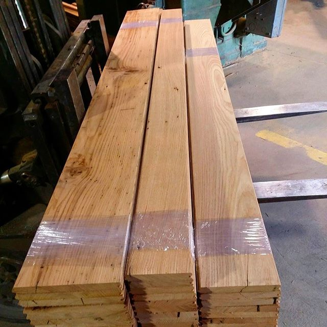 Some newly milled stacks of select reclaimed chestnut coming hot off the moulder! @wmichaelhovis * * * * #reclaimedwood #wood #oldwood #heartpine #flooring #floors #barnboard #rustic #salvaged #interiordecor #farm #oldwood #interiordesign  #commercial  #rusticmodern #farmlife  #dslooking #design  #houzz #wallcovering #IDCdesigners #interior_delux #findyourspot #myoklstyle #millwork #reclaimed