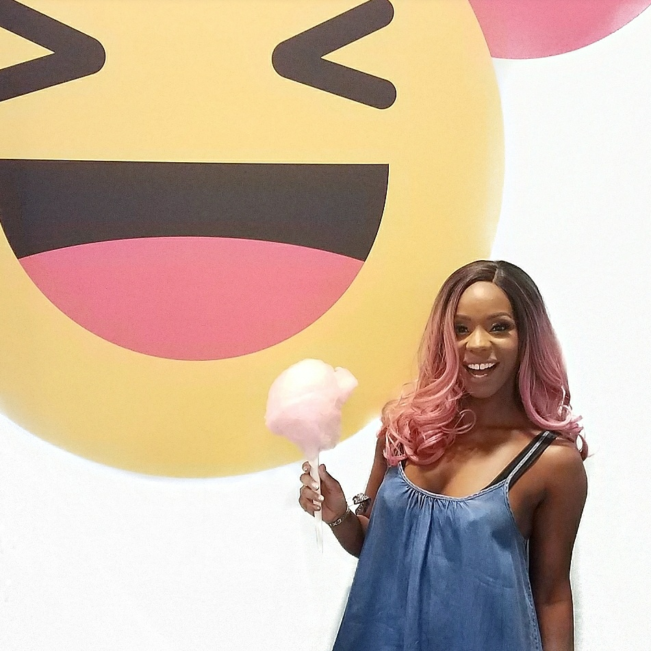 Beautycon Emoji Smile