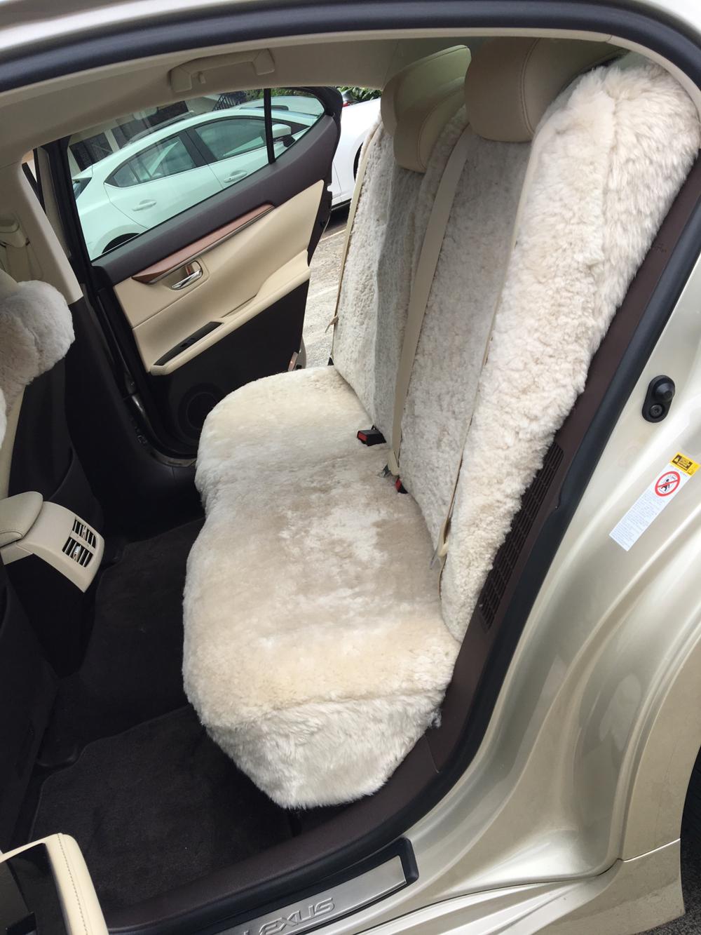 2017 Lexus ES 300h Rear Seat (Pearl)
