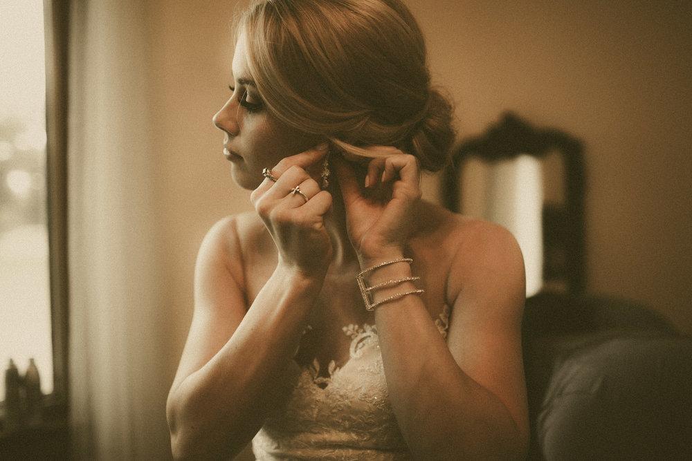 katmalonephoto_the_grove_denton_wedding_005.jpg