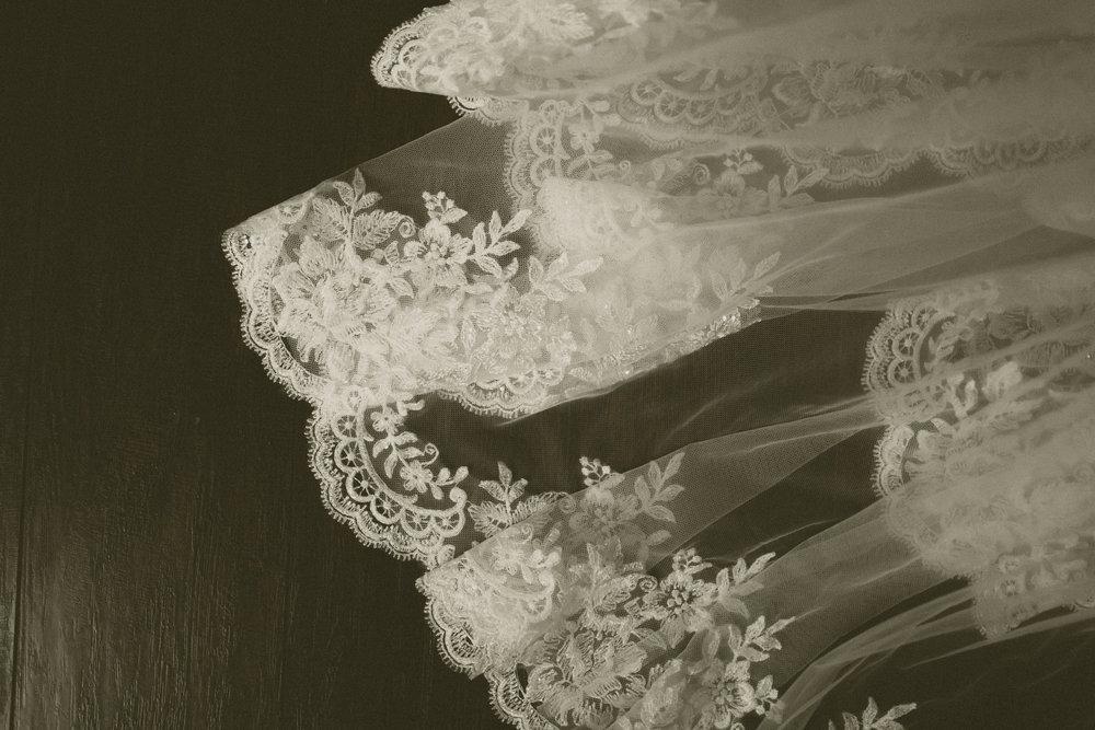 katmalonephoto_the_grove_denton_wedding_006.jpg