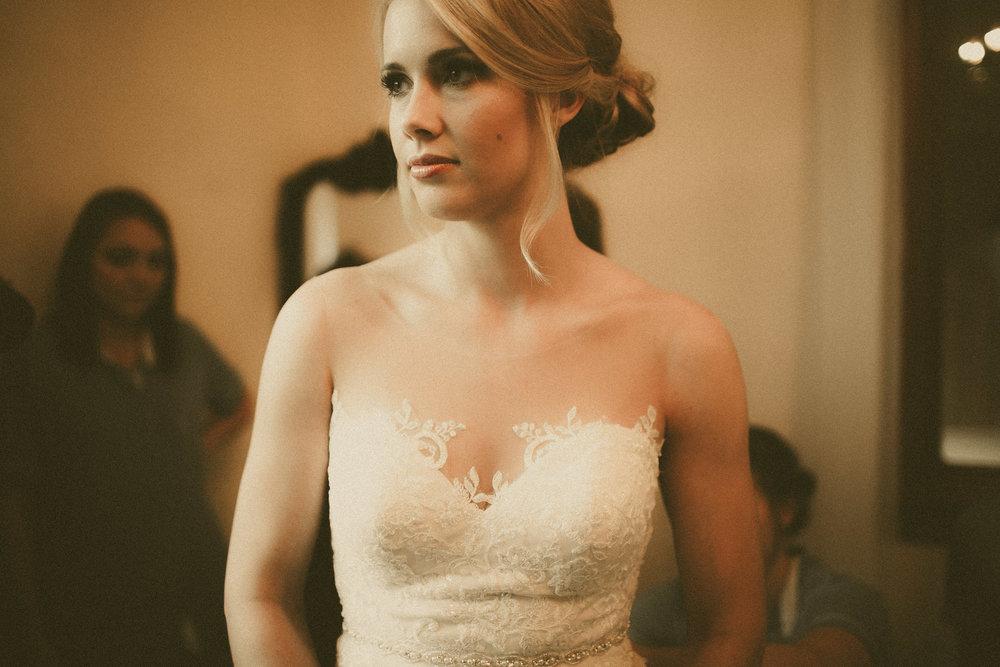 katmalonephoto_the_grove_denton_wedding_007.jpg