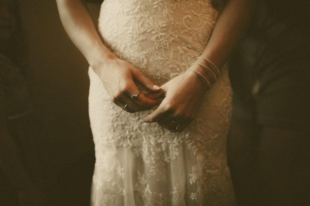 katmalonephoto_the_grove_denton_wedding_009.jpg