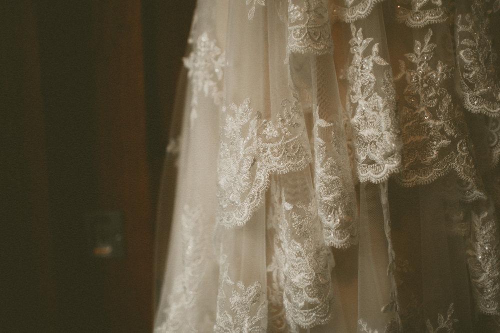 katmalonephoto_the_grove_denton_wedding_012.jpg