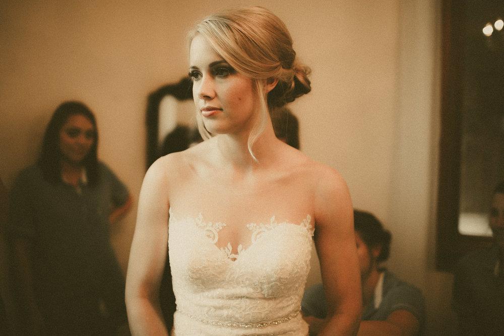 katmalonephoto_the_grove_denton_wedding_013.jpg