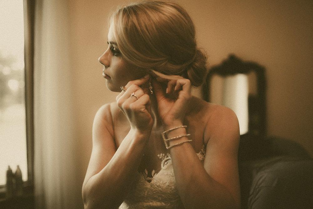 katmalonephoto_the_grove_denton_wedding_019.jpg