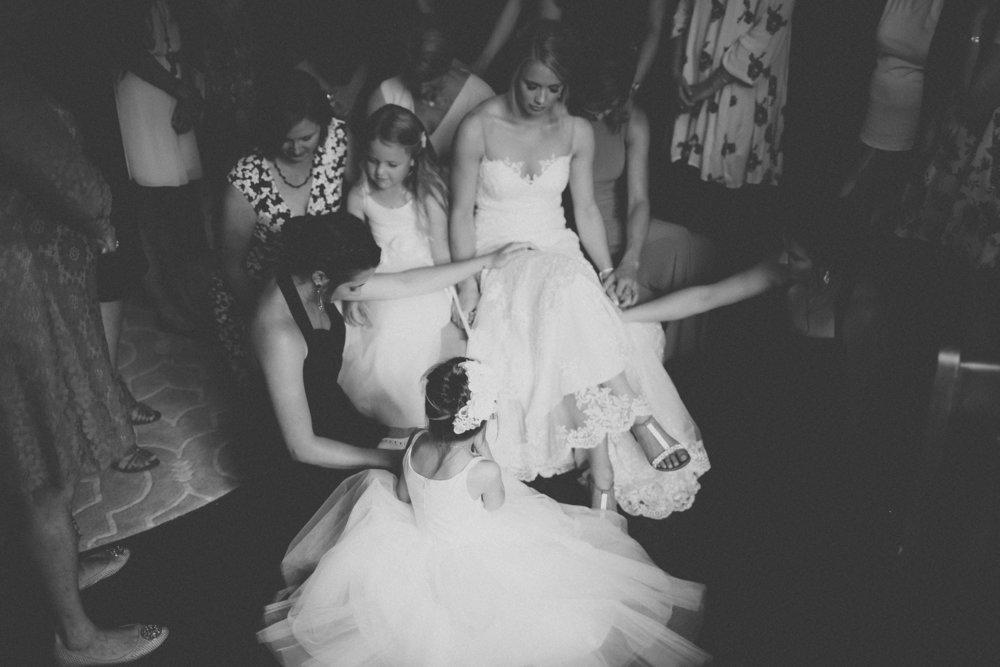 katmalonephoto_the_grove_denton_wedding_020.jpg
