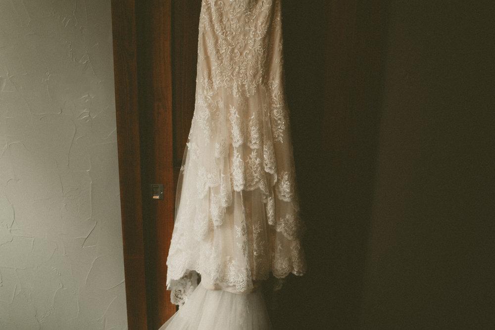 katmalonephoto_the_grove_denton_wedding_025.jpg