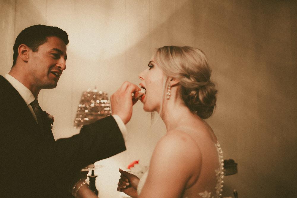 katmalonephoto_the_grove_denton_wedding_250.jpg