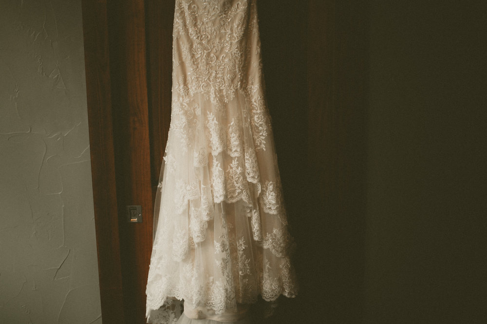 katmalonephoto_the_grove_denton_wedding_036.jpg