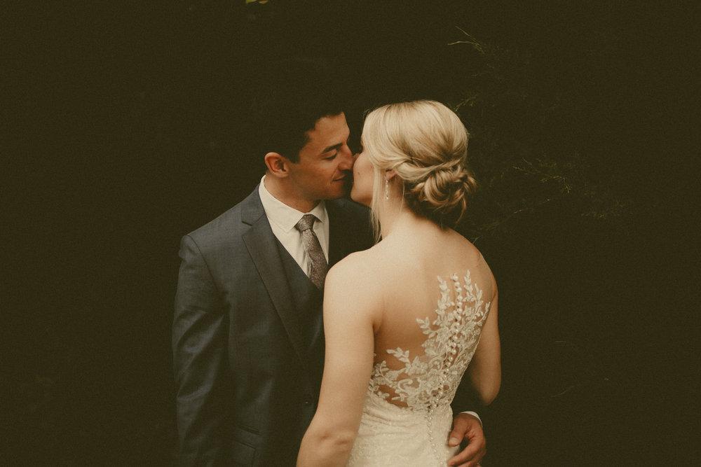 katmalonephoto_the_grove_denton_wedding_040.jpg