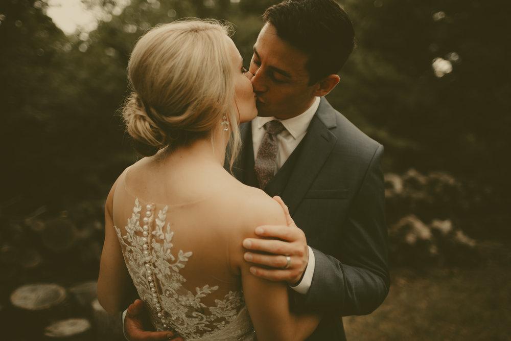 katmalonephoto_the_grove_denton_wedding_083.jpg