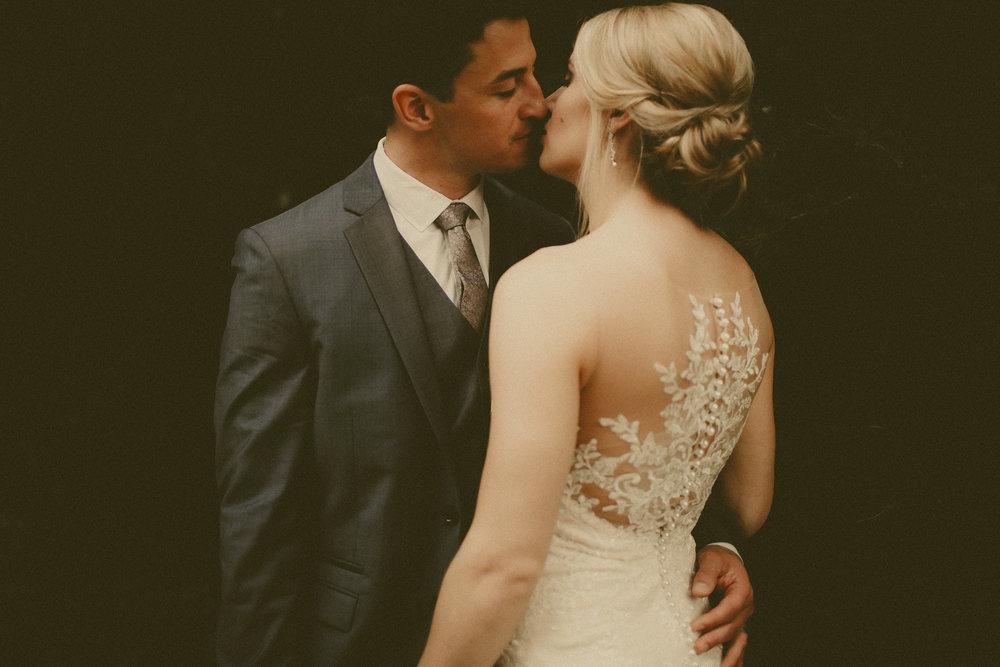 katmalonephoto_the_grove_denton_wedding_085.jpg