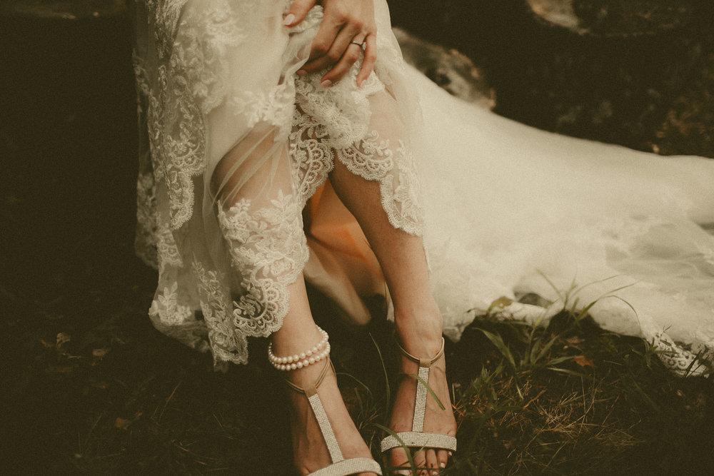katmalonephoto_the_grove_denton_wedding_096.jpg