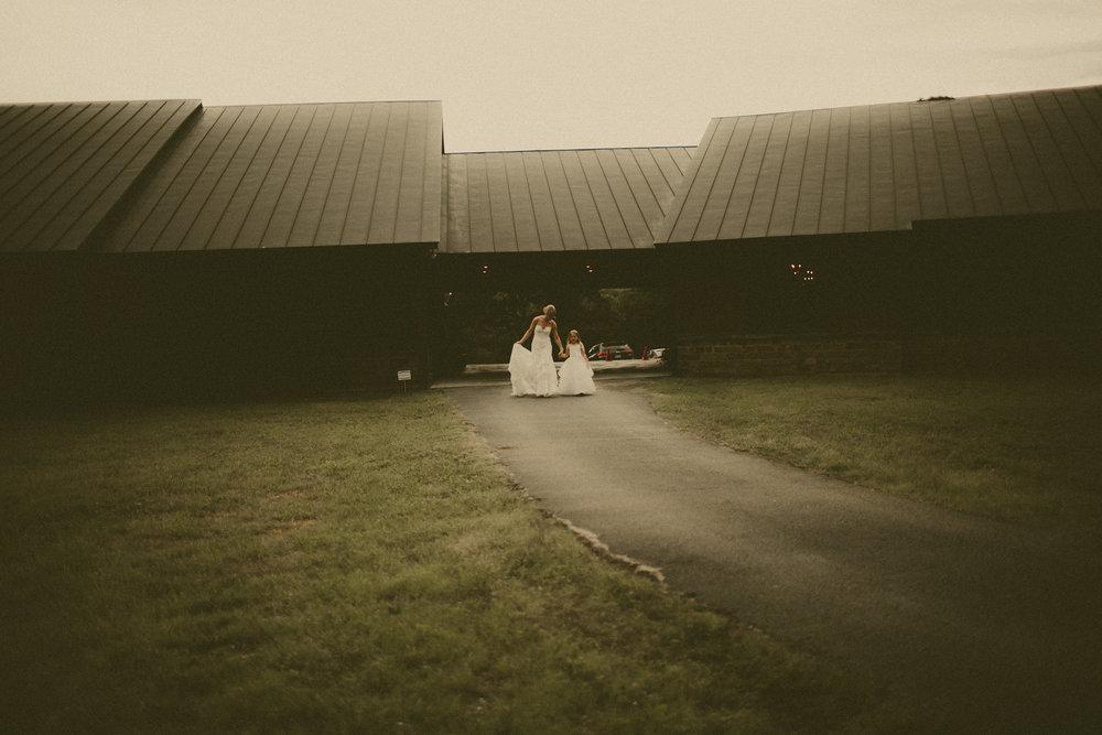 katmalonephoto_the_grove_denton_wedding_150.jpg