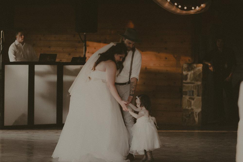 katmalonephoto_zach_emily_dallas_texas_wedding_0233.jpg