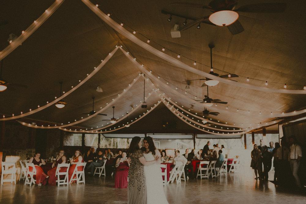 katmalonephoto_zach_emily_dallas_texas_wedding_0241.jpg