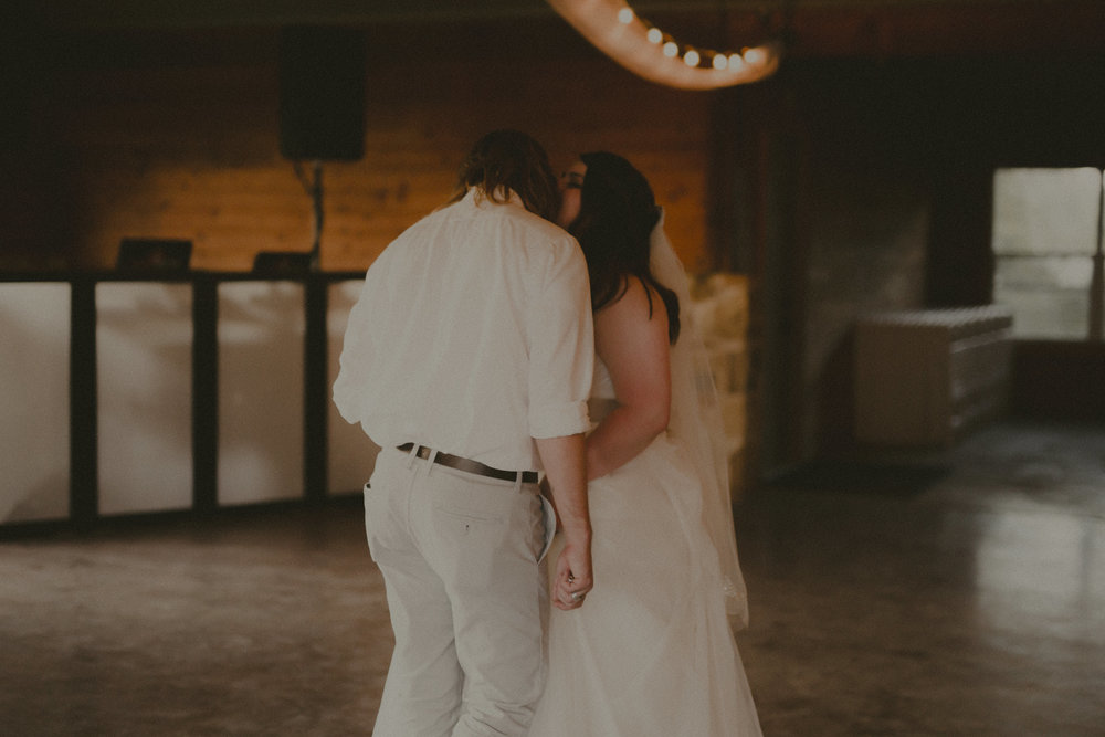 katmalonephoto_zach_emily_dallas_texas_wedding_0258.jpg