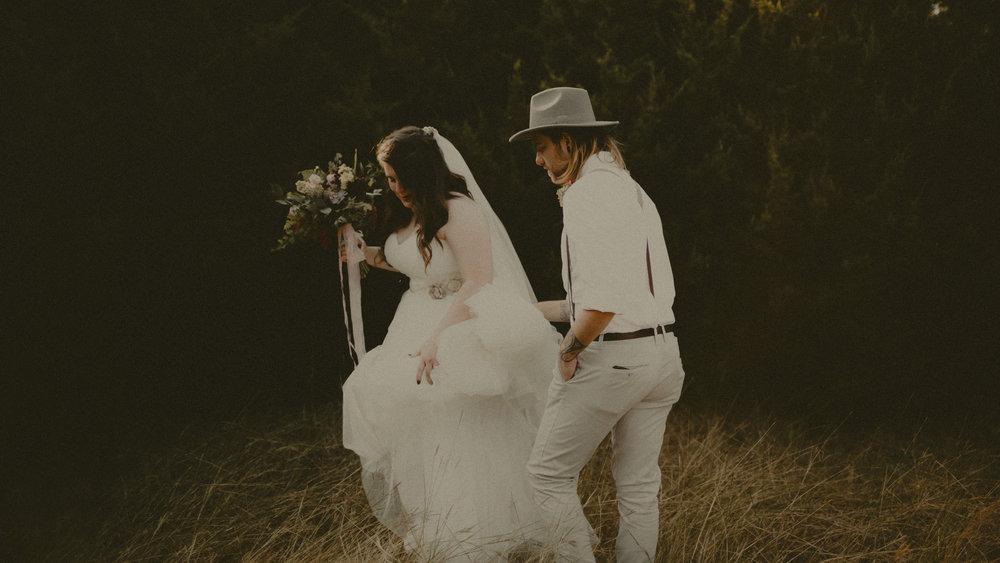 cover_katmalonephoto_zach_emily_dallas_texas_wedding_004.jpg