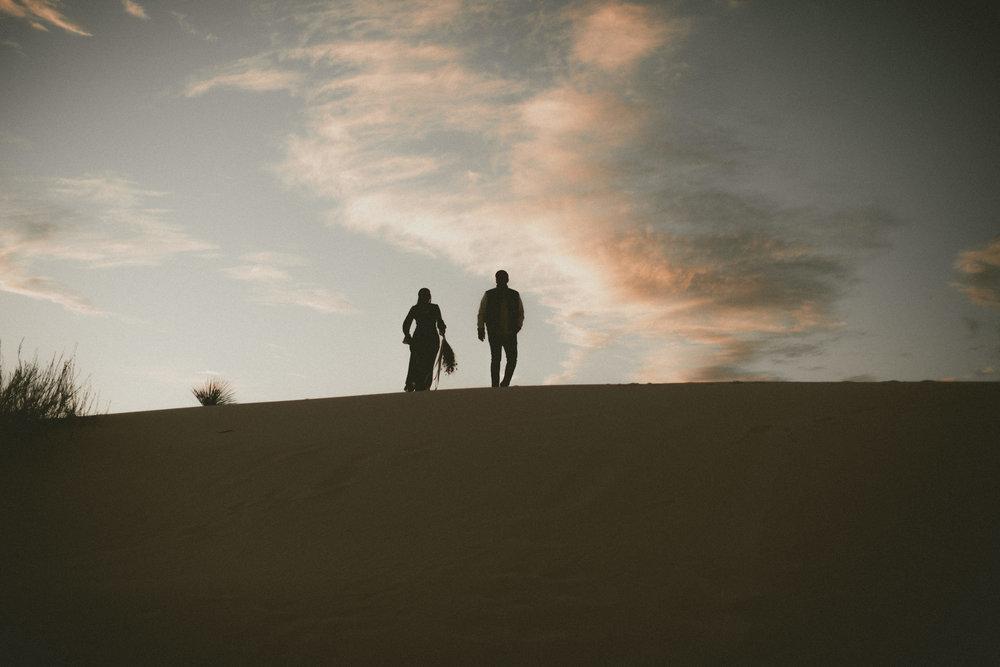 katmalonephoto_jel_zach_new_mexico_engagements_desert_013.jpg