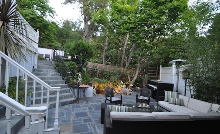 1524 Sunset Plaza Drive, Los Angeles 90069