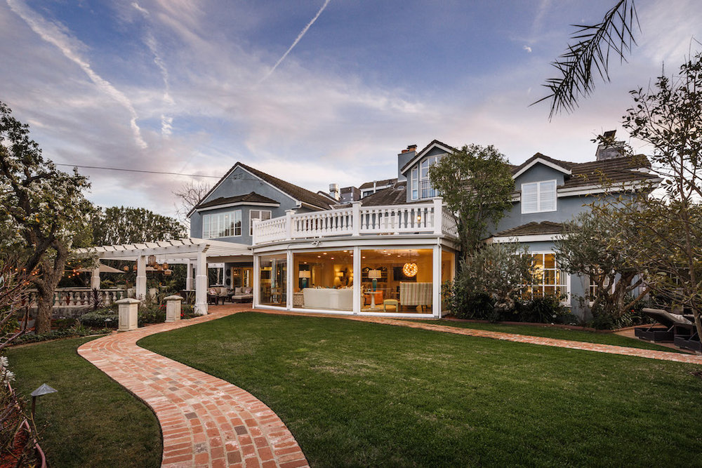 Michelle Oliver Luxury Real Estate 116 N Tigertail Road, Brentwood 90049