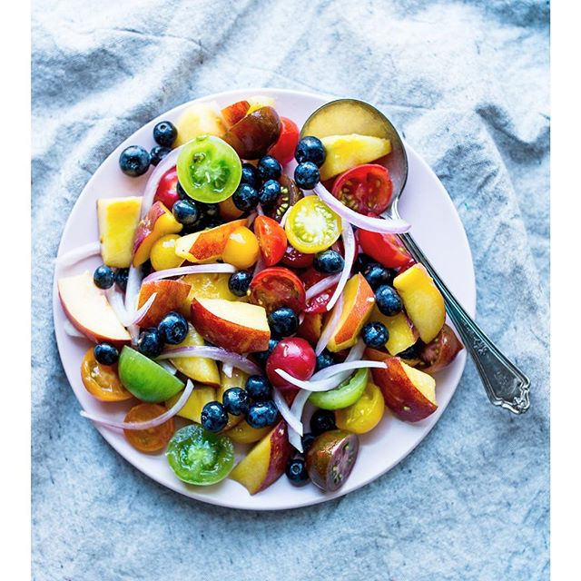 I'm here to say veggie and fruit salads don't need to live separate lives. You making any sweet veg/fruit combos with all this summer produce? . . . . . . #saladdays #foodstyling #foodphotography #healthyfood #buzzfeedfood #feedfeedvegan #feedfeed #foodblogfeed #pdxeats #pdxfood #localfood #veganrecipes #veganeats #healthyfood #plantpower #eattherainbow