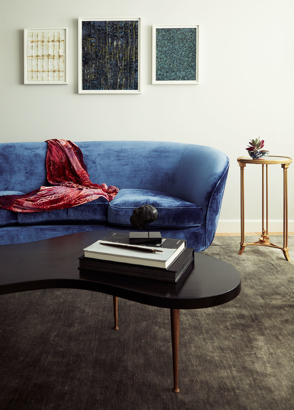 blue_couch.jpg