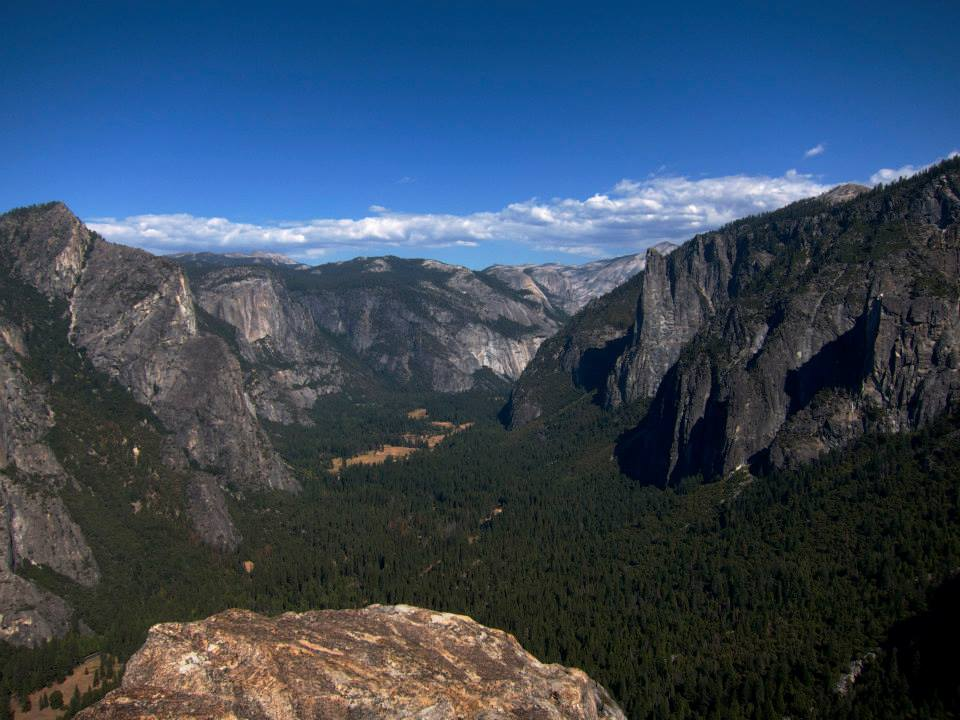 Yosemite is basically a really big ditch full of rocks and trees. I recommend all tourists stay away.