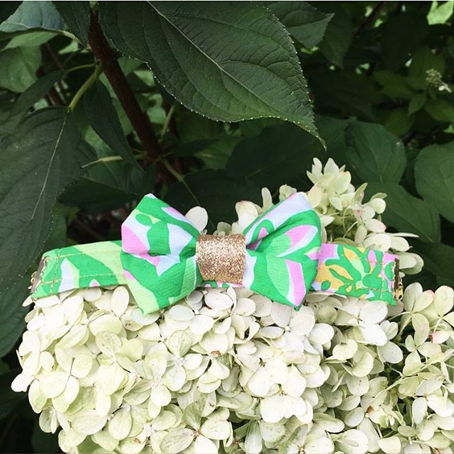 We are so excited to announce our first ever women's product - a bow tie bracelet! Shop for this bow tie bracelet at www.tiesbylucy.com/shop/bow-tie-bracelet and be on the look out for more super soon! 🤗🎀🎉 #bowtie #bracelet #glitter #lillypulitzer #handmade