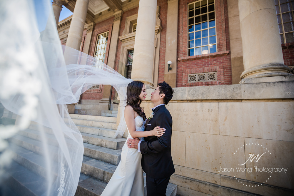 bride-long-veil-adelaide-university.jpg