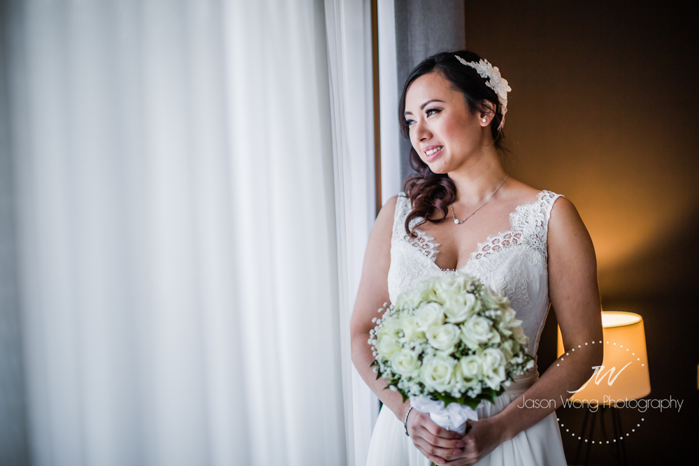 bride-waiting-natural-light-flower.jpg