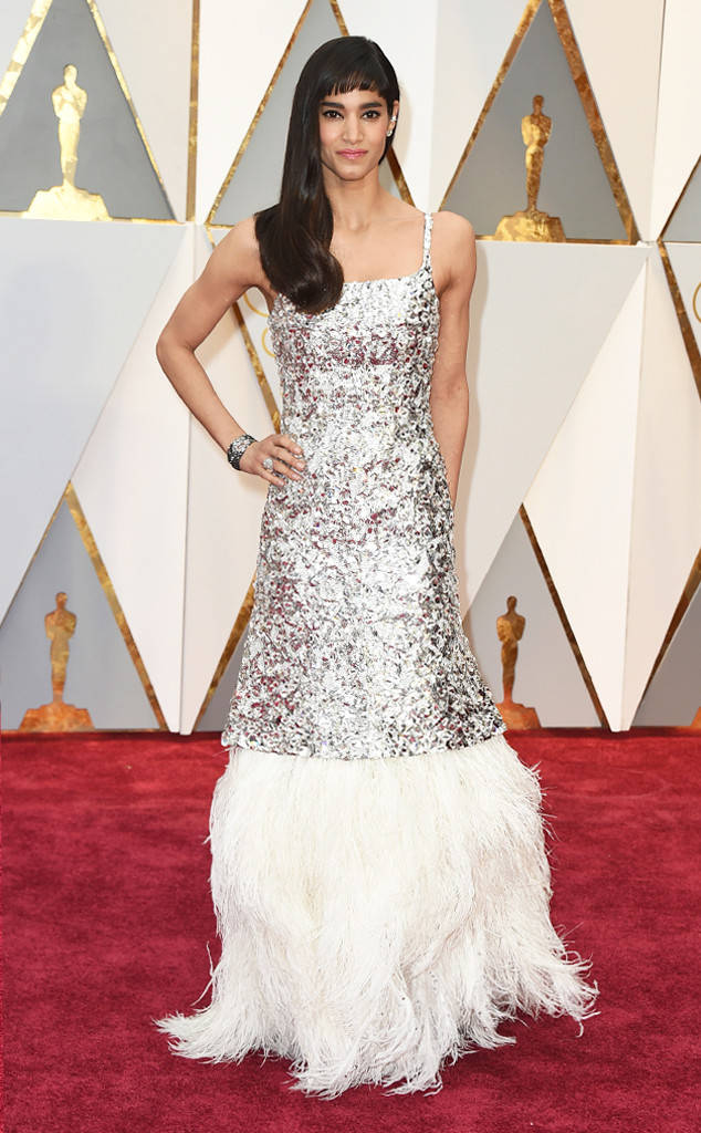 rs_634x1024-170226145921-634-sofia-boutella-2017-Oscars-Awards.jpg