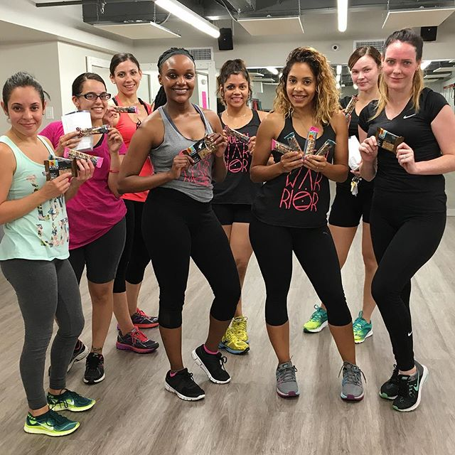 I'm so proud of my girls, they're working so hard and they're all seeing booty gains 🍑 Also, thank you @kindsnacks for helping us get through our booty workouts with some delicious Kind Bars! 😋 @cityfitnessphilly