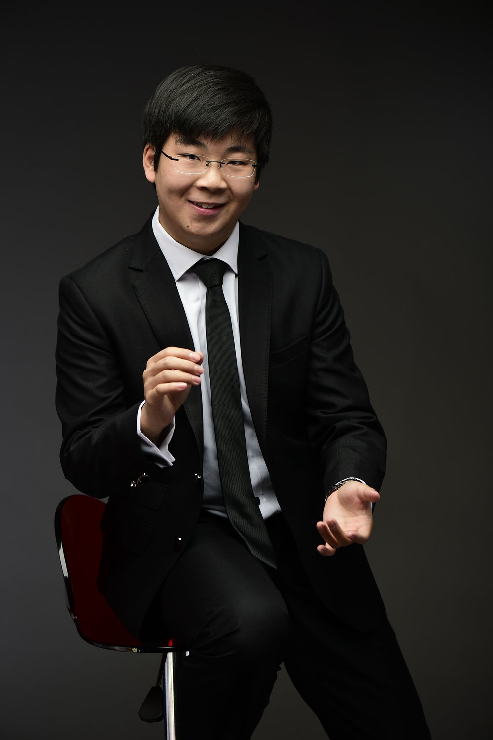Scott Zhou - The Mentalist- Intelligent, Mysterious, ElegantUnlike the other performers, Scott's main focus is on mind-reading, and influence. He is able to use NLP and psychology to create amazing mind-reading demonstrations.Performance experience: 8 years