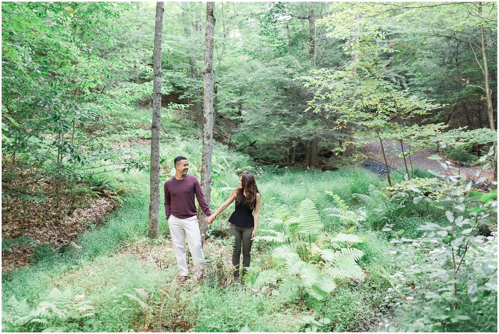 New-Paltz-NY-Mohonk-Mountain-House-Fall-Engagement-Session-Photo_0005.jpg