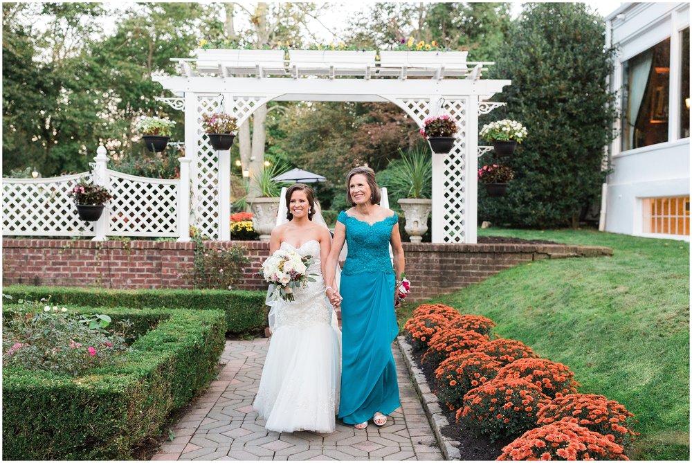 NJ-Shadowbrook-at-Shrewsbury-Classic-Wedding-photo-_0105.jpg