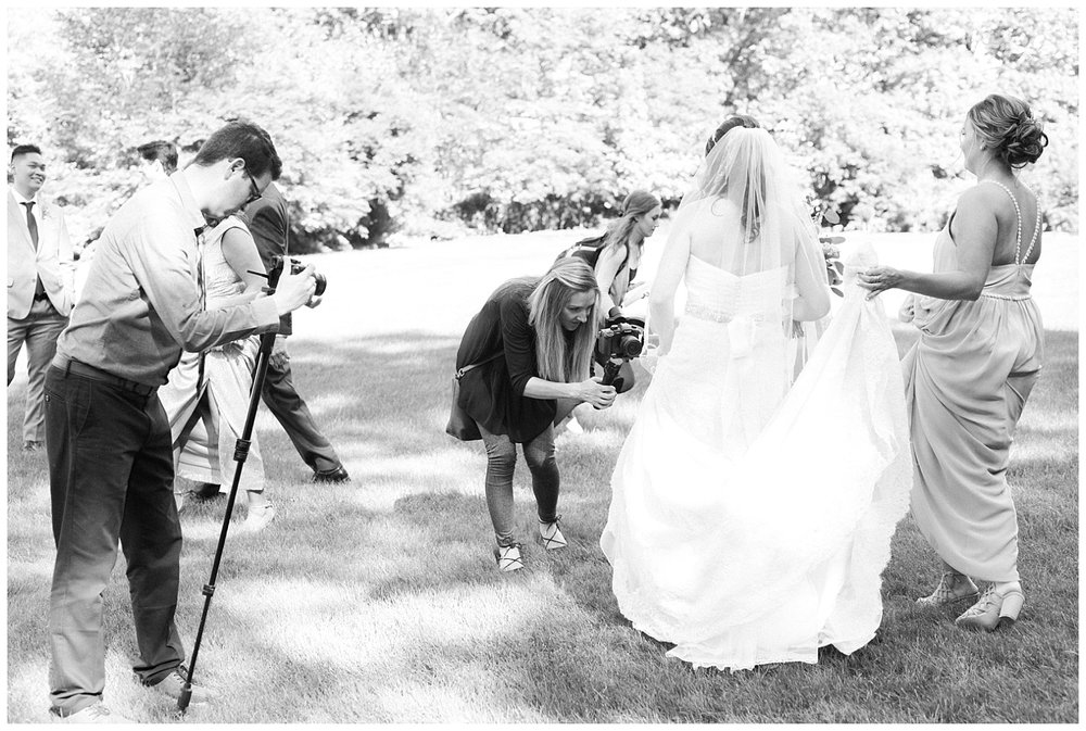 NJ-Wedding-Photographer-Behind-the-Scenes-_0007.jpg