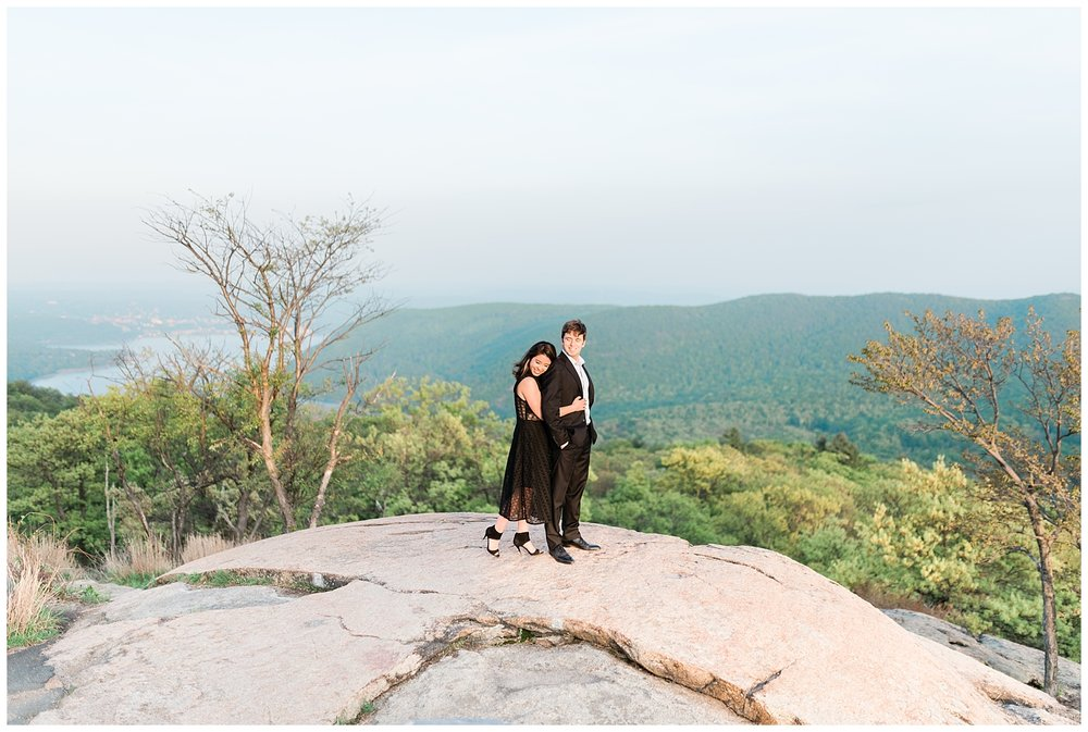 Bear-Mountain-NY-Mountaintop-Engagement-Session-Photo-_0044.jpg
