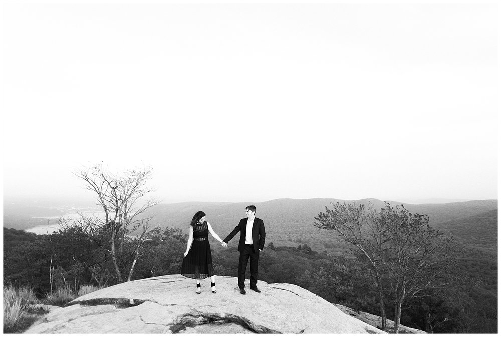 Bear-Mountain-NY-Mountaintop-Engagement-Session-Photo-_0060.jpg